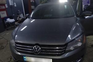 Volkswagen Passat - установка штатной магнитолы, камер заднего и переднего вида
