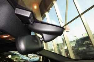 Установка зеркала видеорегистратора на Land Rover и Jaguar
