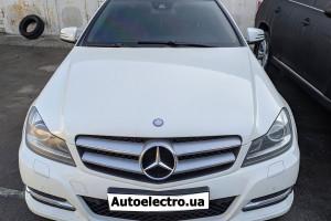 Mercedes С - установка камеры заднего и переднего вида