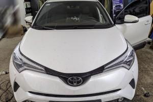 Toyota C-HR - установка GSM автосигнализации