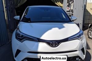 Toyota C-HR - установка блока навигации Navitouch