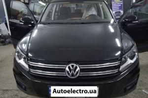 VW Tiguan - установка штатной магнитолы и камеры заднего вида