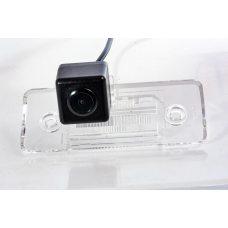 Камера заднего вида для Skoda Fabia 2010+ Fighter CS-CCD+FM-16