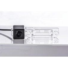 Камера заднего вида для Volkswagen / Skoda SuperB Fighter CS-CCD+FM-18