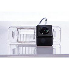 Камера заднего вида для Nissan Fighter CS-CCD+FM-24