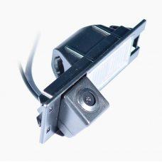 Камера заднего вида для Fiat 500L 2012+ IL Trade 1340