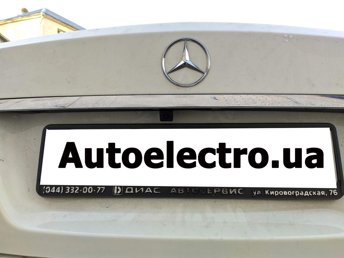 Установка камеры заднего и переднего вида на Mercedes С
