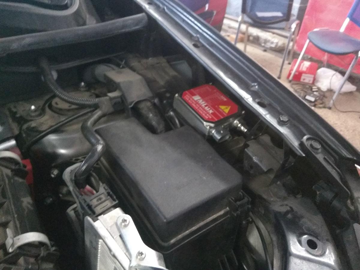 Установка ксенона на Toyota RAV4