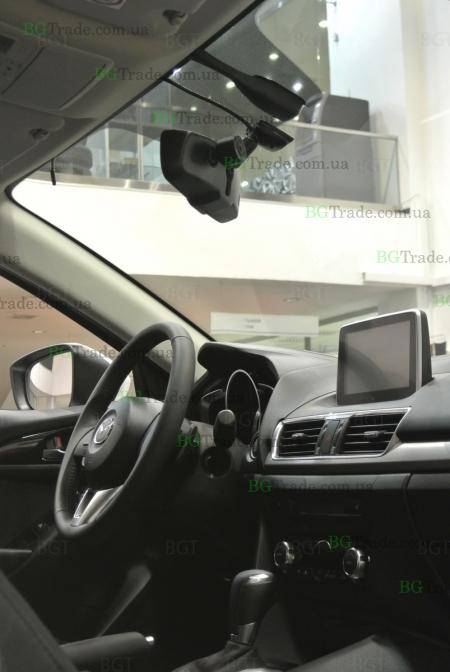 Установка зеркала видеорегистратора на Mazda 3 2013
